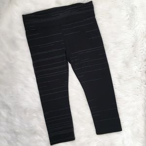 Fabletics Black Cropped Stripe Capri Leggings